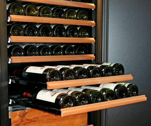 Cave à vin avec tiroirs coulissants