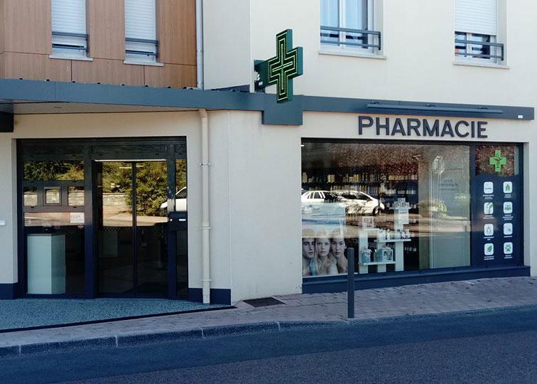 Façade d'une pharmacie après travaux